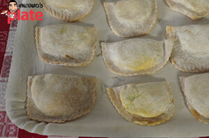 140413_VINCENZOSPLATE_FeaturedImage-(Ravioli with Ricotta and Spinach-300x198)
