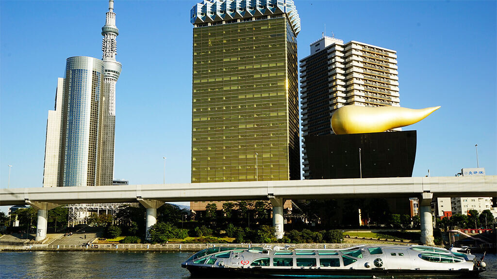 Boat tour on the Sumida river from Asakusa to Odaiba