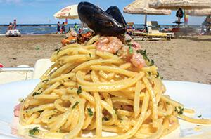 समुद्री भोजन पास्ता