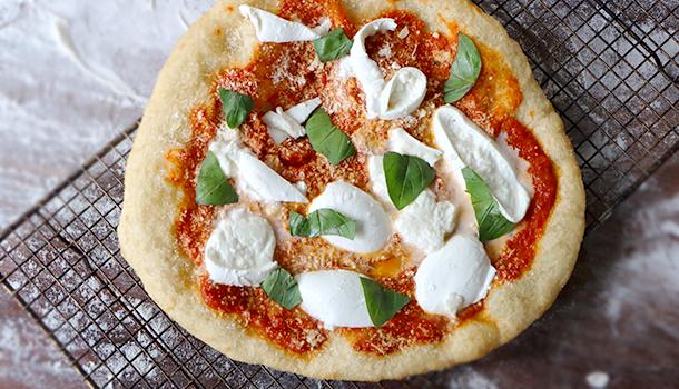 fried pizza margherita montanara