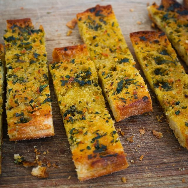 """GARLIC BREAD RECIPE 🧄 The origins of #garlic bread aren't very well-known, but what I do know is the popularity of this dish is remarkable across the world! 🌍 When you look at the basics, it's similar to a #Bruschetta aglio e olio and it is absolutely, positively DIVINE! 😍  😋 Recipe: vincenzosplate.com (in the search type """"Garlic Bread"""") - full video recipe also available on Facebook and YouTube . . . #garlicbread #breadwithgarlic #aglioeolio #italiangarlicbread #garlicbreadrecipe #paneallaglio #aglio #bruschettarecipe #bruschettaaglioeolio #italianrecipe #vincenzosplate"""